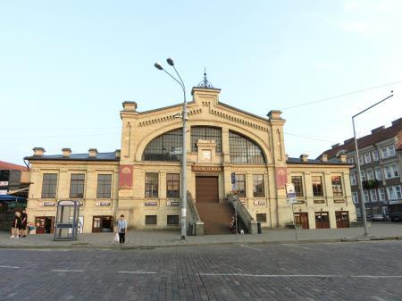 ヴィリニュスのマーケット「ハレス市場」1