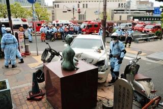 160503 神戸・三宮で車暴走 5人重軽傷 b_09047247_640x425