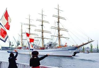 160506 神戸に入港した帆船「日本丸」b_09056811_640x444