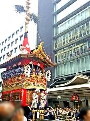 160717「祇園祭・前祭の山鉾巡」行m_minkei-karasuma2614_縦VGA