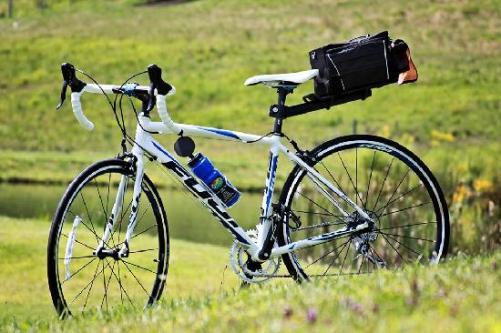 road-bike-fuji-roubaixbfdcaxda.jpg