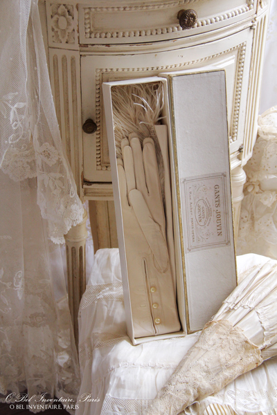 antique_glove4196.jpg