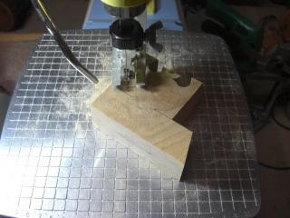 糸鋸による切削2