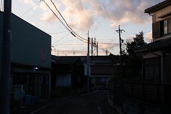 夕暮れの中小田井