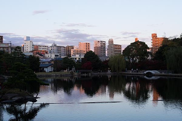夕暮れどきの徳川園