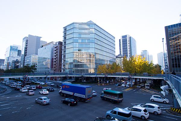 日銀前歩道橋風景