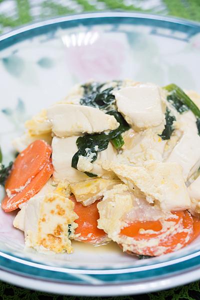 豆腐と白菜の卵とじ