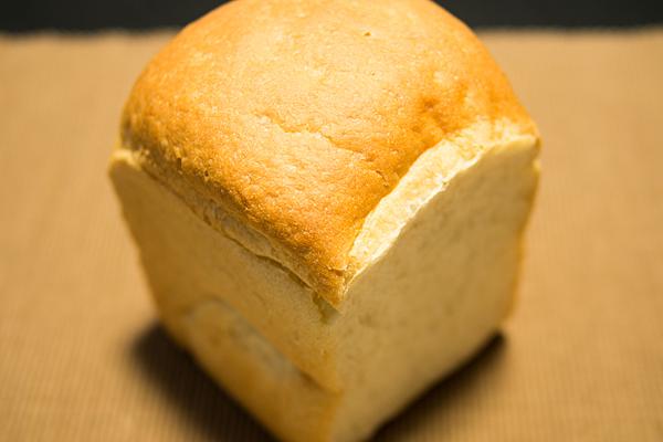 モネラ食パン