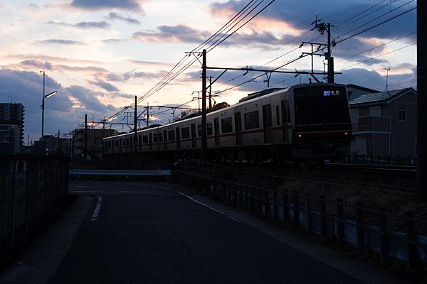瀬戸電夕暮れどき