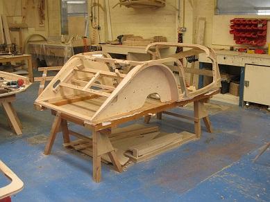 車体の一部は木製で作られる