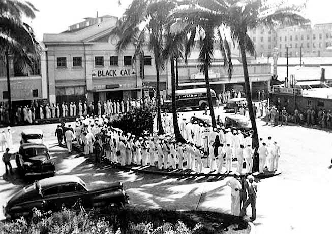 US troops lining up outside an American Comfort Women establishment in Hawaii.