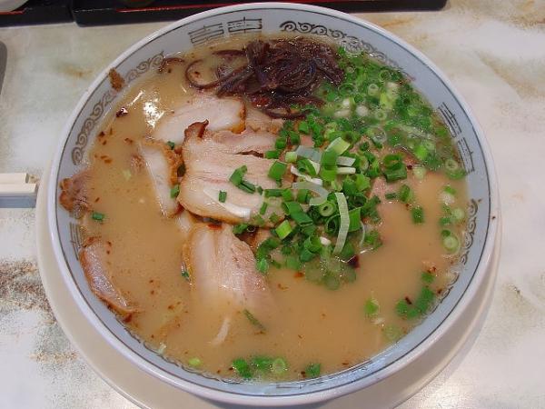 640px-Kagoshima_Ramen.jpg