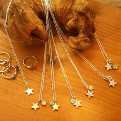 星と天然石のネックレス