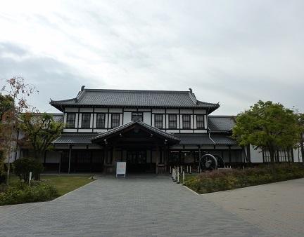 旧二条駅舎とお土産