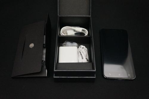 ZenFone3_ZE520KL_009.jpg