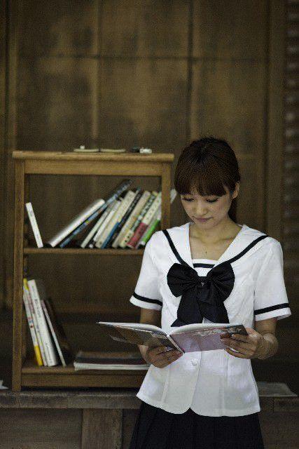 暗いところで本を読むと、本当に目が悪くなる?
