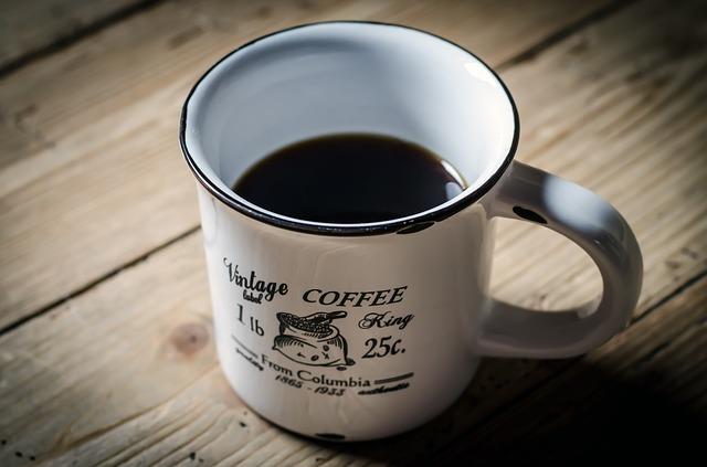 コーヒーを飲むと、頭が良くなる?