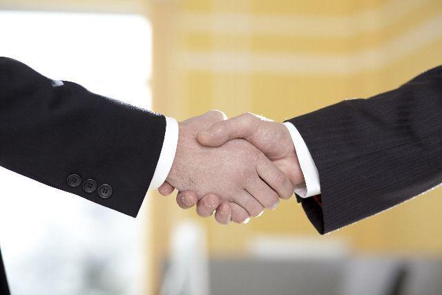 「下心」のない握手は、どんな意味がある?