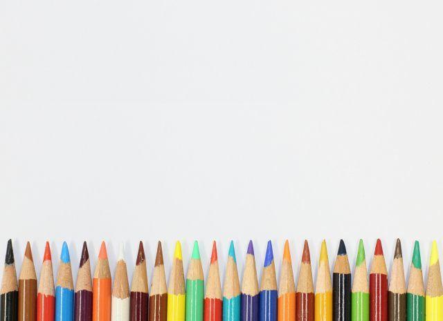 六角形の色鉛筆がないのは何故?