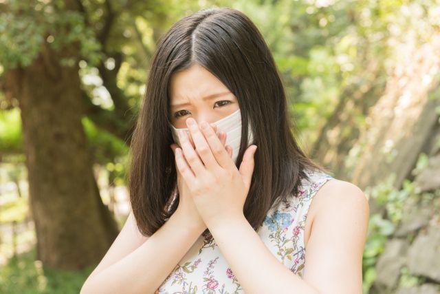 花粉症で鼻水が大量に出たときは、水分を補給する必要がある?