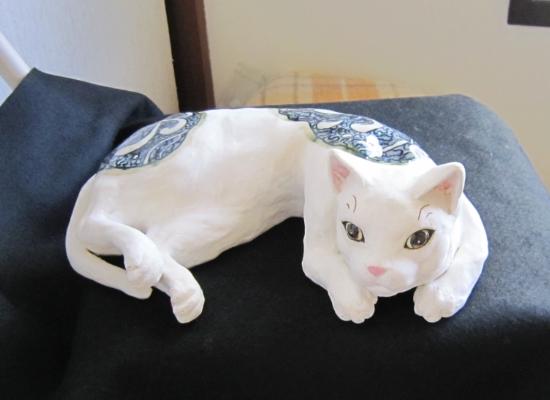 波模様の寝猫 陶器 1