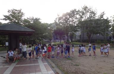 栃の木公園では、8月6日の盆踊の説明も