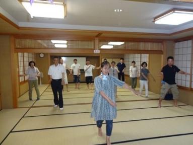 上若松町の14年の盆踊り練習風景