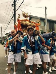 迫力の榊原神社の神輿の練り