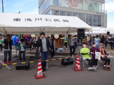 金沢マラソン案山子も応援