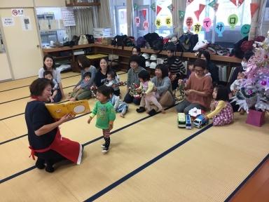 中村先生の楽しく面白い絵本の読み聞かせ