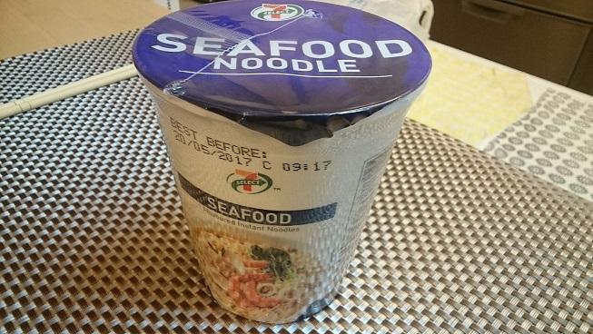 シンガポールセブンイレブンカップヌードルシーフード味
