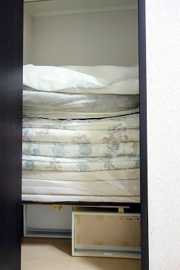 寝室クローゼット(左)⑥